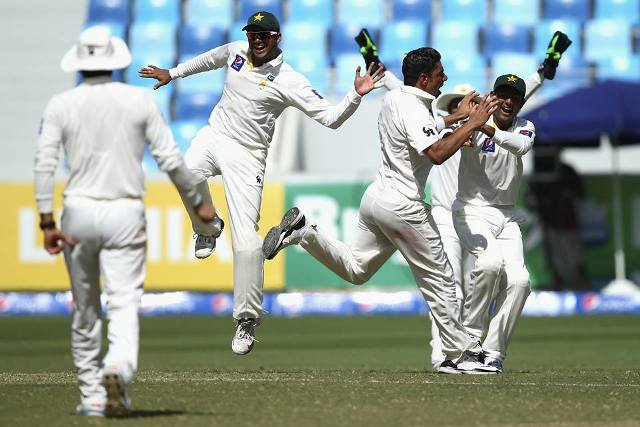 Pakistan players celebrating the victory against Australia