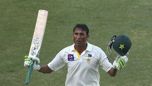 Younis-Khan-of-Pakistan-celebrates-after-reaching-his-27th-century