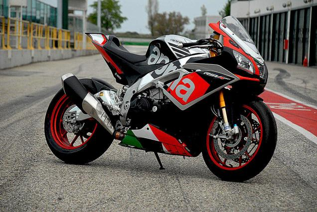 Top 10 Best Performing Sports Bikes