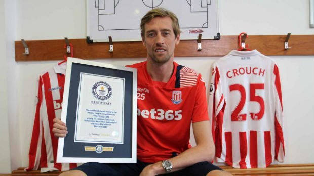 Frank Lampard supports Peter Crouch