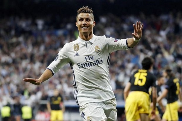Real Madrid and CR7 agree on new contract terms